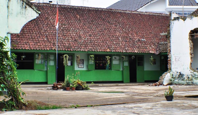 Sisa-sisa STM Negeri Bogor di Gang Aut